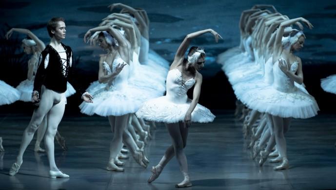 ballet lac des cygnes de Tchaïkovski à Saint-Pétersbourg