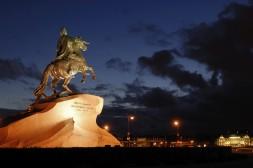 Le Cavalier de Bronze la nuit, Pierre Le Grand