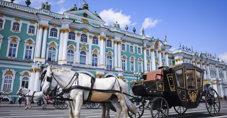 Calèche devant l'Ermitage