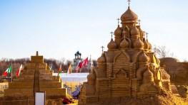 chateau de sable sur la plage de la forteresse pierre et paul